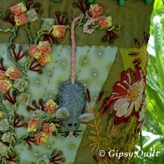 Gipsy Quilt -- cute little mouse!