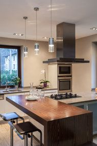 How to get your kitchen sparkling clean and a suggested cleaning guideline.