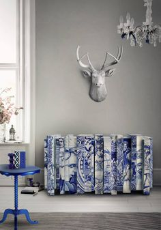 Heritage Sideboard | Limited Edition This Heritage sideboard version present you a different number layers, where each one tell you different story.