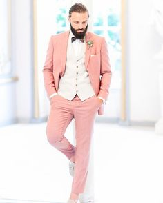 What a cool and modern look of the groom! What do you think about it? <3 . . #groom #groomstyle #futherhusband #wedding #modernwedding #destinationwedding #bohowedding #weddingstyle #weddingtrends #realwedding #couple #weddingphotographer #weddingphotography #anjaschneemannphotography #weddinglove #brideandgroom #timelesswedding #men