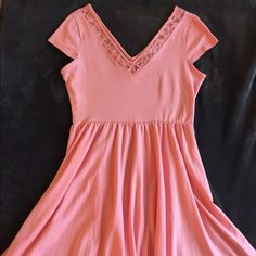 Coral DRESS Super cute, and I hate to sell this one, but it's too big for me. Add this great coral dress to your wardrobe. V line chest. Cap sleeves.  Never ever been worn. Casual and dressy all at the same time.   Very classy style. LC Lauren Conrad Dresses Midi