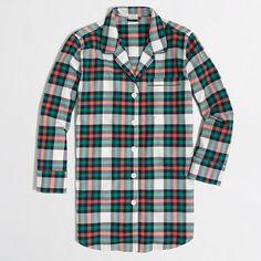 <ul><li>Cotton.</li><li>Long sleeves.</li><li>Hits below hip.</li><li>Machine wash.</li><li>Online exclusive.</li><li>Import.</li></ul>
