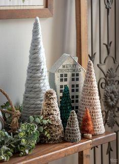 Farmhouse Christmas Decor, Rustic Christmas, Simple Christmas, Vintage Christmas, Christmas Diy, Christmas Ornaments, Christmas Tree Yarn, Christmas Holiday, Diy Simple