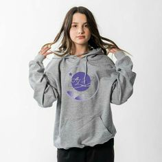 Annie LeBlanc Athletic Grey Pullover Hoodie with a front print. Julianna Grace Leblanc, Hayley Leblanc, Annie Grace, Annie Lablanc, Annie Leblanc Outfits, The Perfect Daughter, Annie And Hayden, Bratayley, Pamela