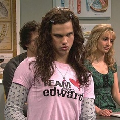omg. i remember watching this episode of Saturday Night Live. haha