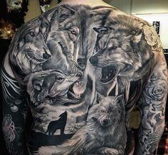tatuaże wilki na plecach #tattoo #wolf
