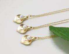 Set of 5 Calla lily flower necklace wedding by BLACKKOLLABO, $67.00