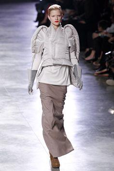 Rick Owens Fall 2011 Ready-to-Wear Fashion Show - Kasia Struss (Women)