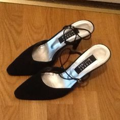 Stuart Weitzman classic black heels Used condition. Please look at pictures for condition. No dust bag, no box. Shoes only. Smoke free home. Thank you. Stuart Weitzman Shoes Heels