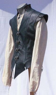 Lined Leather Jerkin Mode Steampunk, Steampunk Costume, Steampunk Fashion, Medieval Clothing, Mens Renaissance Clothing, Gypsy Clothing, Medieval Gown, Mens Fashion, Fashion Outfits