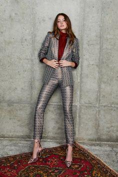 Alice Olivia Pre-Fall 2020 Fashion Show - Vogue Vogue Fashion, Fashion 2020, High Fashion, Fashion Show, Fashion Outfits, Fashion Trends, Alice Olivia, Spring Fashion, Autumn Fashion