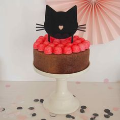 Cake topper Chat pour sweet table sur le thème des chats #caketopper #sweettable #chat #chatparty #catparty #anniversaire #candybar #babyshower #birthday #catparty www.rosecaramelle.fr