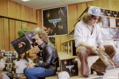 Some rare photos of Van Halen at a record store appearance in 1978 have been unearthed. (From Van Halen News Desk)