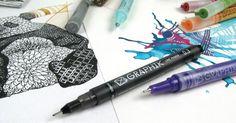 Derwent Graphik Line Painter –maalikynät mullistavat tavan luoda taidetta! Piirrä sulavia linjoja, väritä yhtenäisiä pintoja, jatka työstämistä säiliösiveltimellä tai pumppaa, roiski ja puhalla väriä jo valmiiksi märälle alustalle, jolloin värit sulautuvat toisiinsa kauniisti. Anna kuivahtaa hetki ja jatka päälle toisella värillä tai Graphik Line Marker kuitukärkikynillä. #derwent #graphik #linepainter #linepainter #pens #linepainterpen #pigmentpainter #tussit