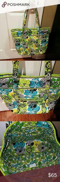 Limes up travel bag Limes up travel bag.  EUC!!!!!! Pockets on outside and inside. I loved this bag!! Smoke and bug free home!!!!! Vera Bradley Bags Travel Bags