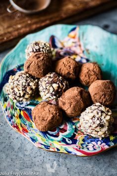 Homemade chocolate truffles and Jamie's Oliver's Christmas Cookbook review and giveaway