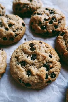 Paleo cookies: life changing chocolate chip tahini cookies by kalejunkie. Paleo Dessert, Healthy Baking, Healthy Desserts, Healthy Drinks, Paleo Chocolate Chips, Chocolate Chip Cookies, Healthy Chocolate, Delicious Chocolate, Sin Gluten