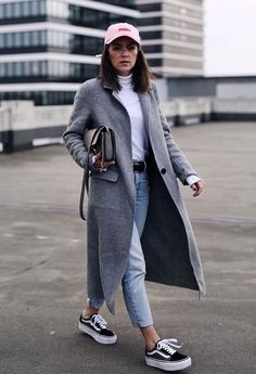 Chic outfit idea to copy ♥ For more inspiration join our group Amazing Things ♥ You might also like these related products: - Jeans ->. Winter Fashion Outfits, Fall Winter Outfits, Look Fashion, Autumn Winter Fashion, Fashion Mode, Christmas Outfits, Vogue Fashion, Fashion Dresses, Classy Outfits