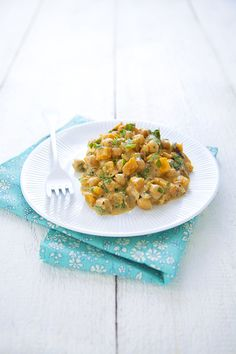 100 % Végétal: Curry thaï de pois chiches  Vegan thaï chickpea curry Indian Food Recipes, Vegetarian Recipes, Healthy Recipes, Ethnic Recipes, Exotic Food, Chana Masala, Food Styling, Love Food, Main Dishes