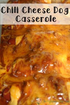 Chili Cheese Dog Casserole Recipe- A quick and easy family dinner idea recipe inspired by chili cheese dogs combined with the comfort and ease of a casserole. So cheesy! Chilli Hot Dog, Chilli Cheese Dogs, Chilli Cheese Dog Bake, Hot Dog Recipes, Chili Recipes, Chicken Recipes, Easy Casserole Recipes, Casserole Dishes, Chilli Dog Casserole