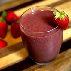 Sip Away the Soreness: Cherry Berry Ginger Smoothie1 cup frozen cherries 1 cup strawberries 1 cup kale 1/8 cup walnuts 1 teaspoon wheat germ 1/2 teaspoon freshly grated ginger 3/4 cup green tea