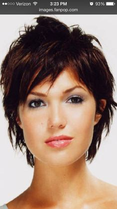 Short hair cut. Mandy Moore.