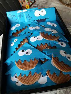 Traktatie koekiemonster met stroopwafel
