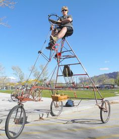 Gavan Nielsen rides his homemade tricycle near Swanny City Park. Schwinn Bikes, Trike Bicycle, Cargo Bike, Cool Bicycles, Cool Bikes, Bike Trailer, Indoor Cycling, Bike Ideas, Bike Design