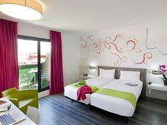 Our Ibis Styles Madrid Prado is next to Paseo del Prado, near Sol, themed around wine creation from its origin. The hotel is modern with a very friendly atmosphere. Designed for your comfort with 48 non-smoking rooms, free Wi-Fi, reception and busines
