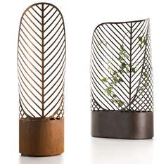 Screen-Pot made of steel by De Castelli
