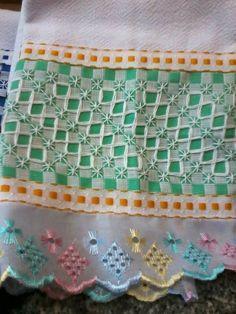 Chicken Scratch Patterns, Chicken Scratch Embroidery, Baby Embroidery, Cross Stitch Embroidery, Machine Embroidery, Girl Scout Swap, Girl Scout Leader, Girl Scouts, Bordado Tipo Chicken Scratch