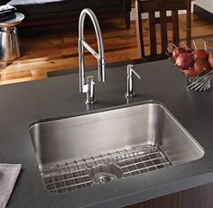 Franke's Stainless Steel faucets are the perfect finish to a modern kitchen! Kitchen Room Design, Kitchen Sink, Franke Sink, Stainless Steel Faucets, Polished Chrome, Kitchen Remodel, Manhattan, Modern, Sinks