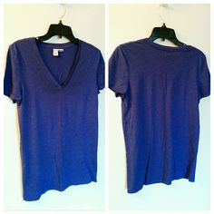 = Nordstrom Abound Bluish-Purple V-Neck sz L Items marked with are = FREE with any $10 purchase, just ask! 1 per purchase, please. Well loved with lots of life left. Some piling. I adore these t-shirts... Very lightweight, but not sheer at all. Abound Tops Tees - Short Sleeve