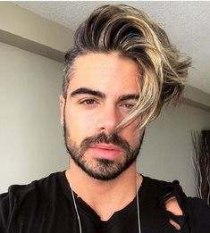 Side Swept Undercut Variations 2020 top 21 Mens Long Hair with An Undercut Best Undercut Hairstyles, Side Swept Hairstyles, Cool Hairstyles For Men, Haircuts For Men, Men's Haircuts, Oval Face Men, Oval Faces, High And Tight Haircut, Side Swept Curls