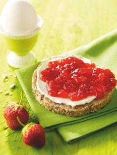 Erdbeer-Nektarinen-Konfitüre Eine fruchtige Konfitüre mit Erdbeeren und Nektarinen zum Sonntagsfrühstück