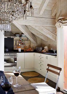chandelier | rustic kitchen