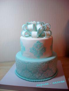 Свадебный торт 2-х ярусный с бантом.