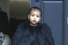Ob Kim Kardashian, Schwester Kourtney oder Kandall Jenner – von den Damen des Kardashian-Clans gibt es immer etwas Neues. Heute: Warum man Kims Tochter North West nicht widerstehen kann.