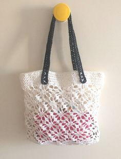 Lacy paper raffia bag.
