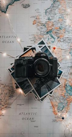 travel wallpaper Plans Around The World Aesthetic Pastel Wallpaper, Cute Wallpaper Backgrounds, Trendy Wallpaper, Aesthetic Backgrounds, Tumblr Wallpaper, Aesthetic Wallpapers, Cute Wallpapers, Black Wallpaper, Phone Wallpapers