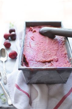 This Fresh Cherry Italian Ice is super easy, refreshing and delicious! Caroline Hurley Taste Love and Nourish delicious summer recipes ; Cherry Recipes Healthy, Sweet Cherry Recipes, Cherry Desserts, Frozen Desserts, Frozen Treats, Just Desserts, Delicious Desserts, Fruit Recipes, Summer Recipes