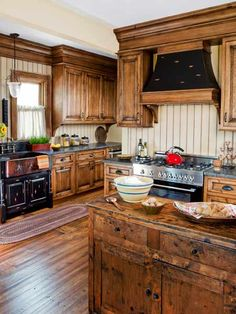 country home Hickory cabinets are interesting, I think I like it! The farm style sink and beautiful Kitchen Cupboard Designs, Rustic Kitchen Cabinets, Wooden Kitchen, Kitchen Redo, New Kitchen, Kitchen Remodel, Kitchen Black, Kitchen Ideas, Kitchen Rustic