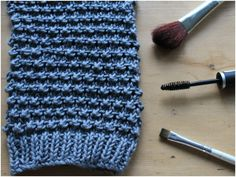 12 free knitting patterns for beginners: bubble bath mitt on LoveKnitting