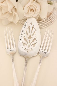 Just Married Cake Server Mr and Mrs Fork Set