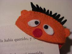Marcapaginas by nudosdecereza, via Flickr