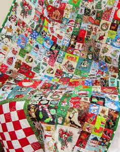 Christmas I Spy,  Matching Look Quilt with Checker Game I spy Quilt -Ispy - Christmas matching game, checkers, I spy game, fun memory game by StitchNWine on Etsy https://www.etsy.com/listing/244949938/christmas-i-spy-matching-look-quilt-with