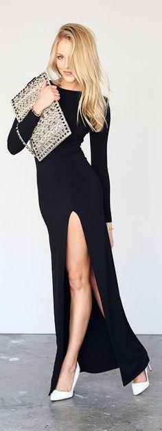 Hermoso Vestido largo,mangas largas y con una sexy abertura en una pierna
