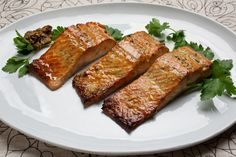 Wood for Smoking: Our Guide to Making the Best Smoked Meat Smoked Pork Ribs, Smoked Fish, Wood For Smoking Meat, Pan Sizes, Recipe Finder, Salmon Fillets, Fish And Seafood, Fish Recipes, Cooking Time