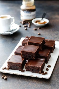Fudgy Triple Chocolate Brownies with Dark Chocolate Ganache Topping Espresso Brownies, Chocolate Espresso, Brownie Bar, Chocolate Brownies, Chocolate Flavors, Chocolate Ganache, Chocolate Truffles, Chocolate Covered, Fudgy Brownies