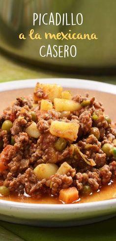 El picadillo a la mexicana es un delicioso platillo que se puede hacer para la comida del diario. Un plato completo con carne y verduras y que es muy versátil para comer en tostadas, taquitos o solo. Mexican Cooking, Mexican Food Recipes, Dinner Recipes, Beef Recipes, Cooking Recipes, Healthy Recipes, Carne Molida Recipe, Picadillo Recipe, I Love Food
